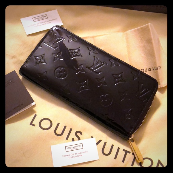 Louis Vuitton Handbags - Louis Vuitton Zippy Wallet Monogram Vernis CA5114 ad78eba03b7